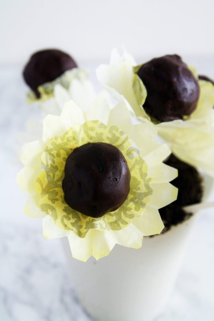 spring-flowers-oreo-cookie-balls-7