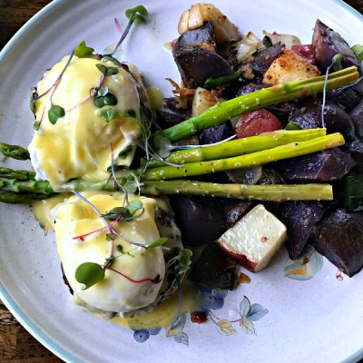 Brunch at Ross & Hall Kitchen and Beer Garden in Dallas