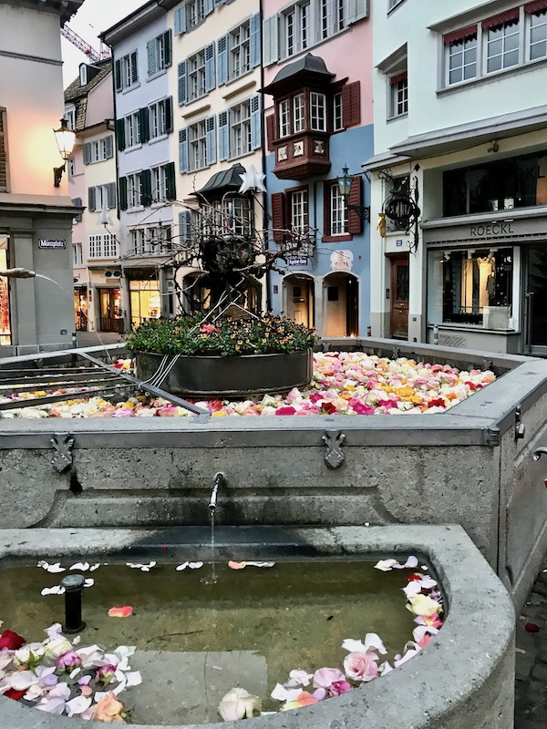 rose fountain in Zurich old town