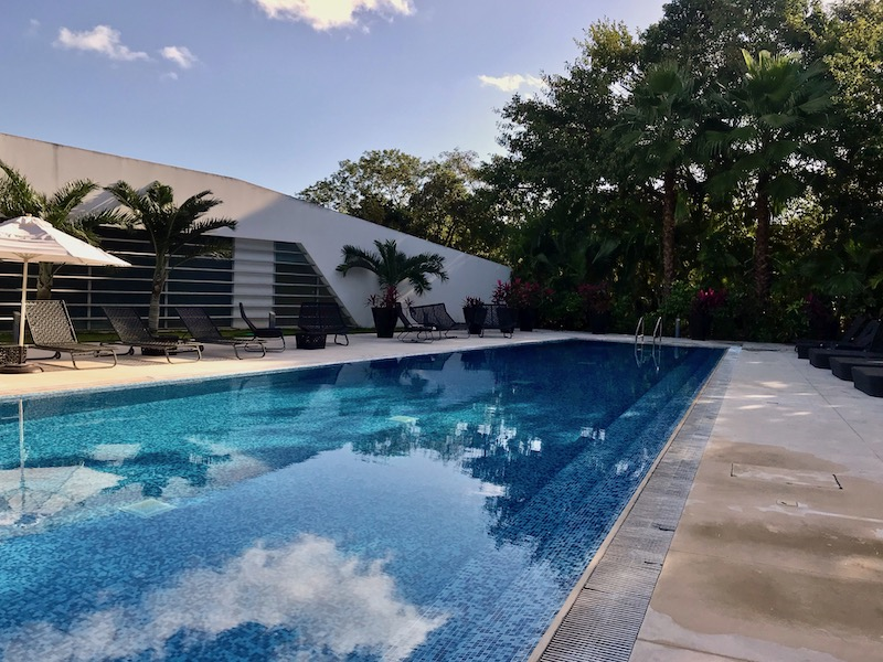 Nick Price Residences pool