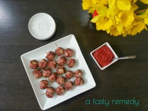 Bacon Burger Bites with Savory Tomato Dipping Sauce