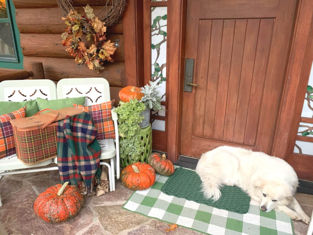Welcome Home Sunday: Simple porch decor for Fall