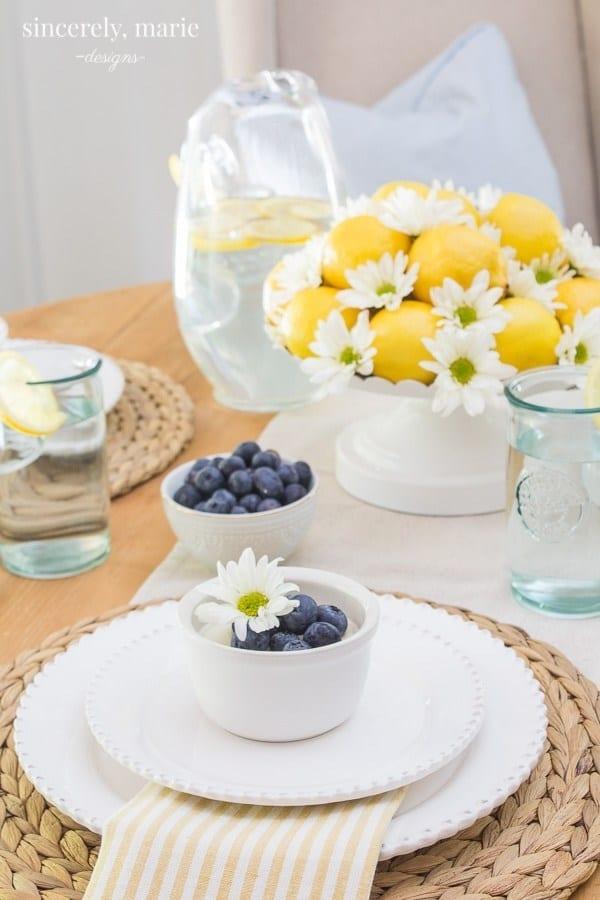 A sunny lemon tablescape for summer!