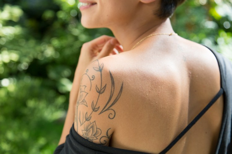 tattoos of Et Pourquoi pas Coline by De l'Encre et des Trous photo by Nicolas Brulez aka The Tattoorialist
