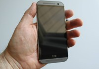 HTC-One-in-hand