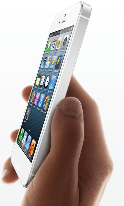 iPhone 5 în mână