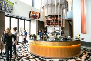 Cresta Toronto Bar