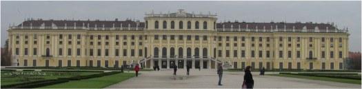 Thomas wants to visit Schönbrunn during his next trip to Vienna