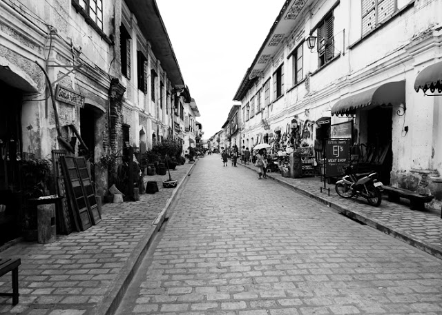 3-Day Ilocos Norte Budget Itinerary - Vigan Plaza