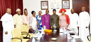 Vice President Yemi Osinbajo (4th right), Rt. Rev.  Peter Ogunmuyiwa of the African Church, North and Abuja Diocese,  (middle), with members of the diocese, during their visit to the Vice President at the Presidential Villa in Abuja on Friday