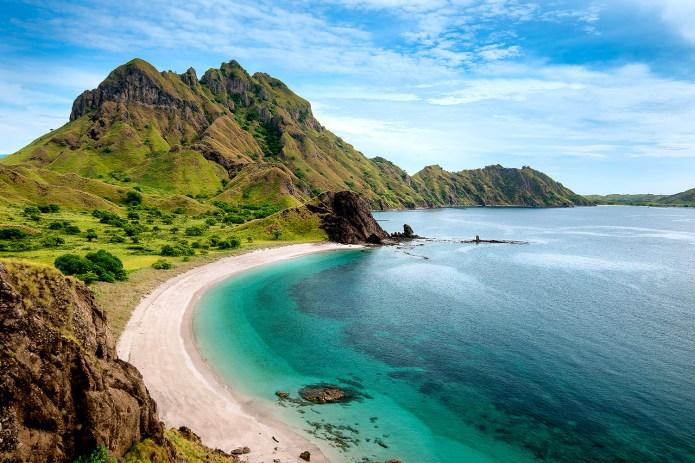 Island-hopping in Indonesia: beaches, volcanoes and Komodo ...