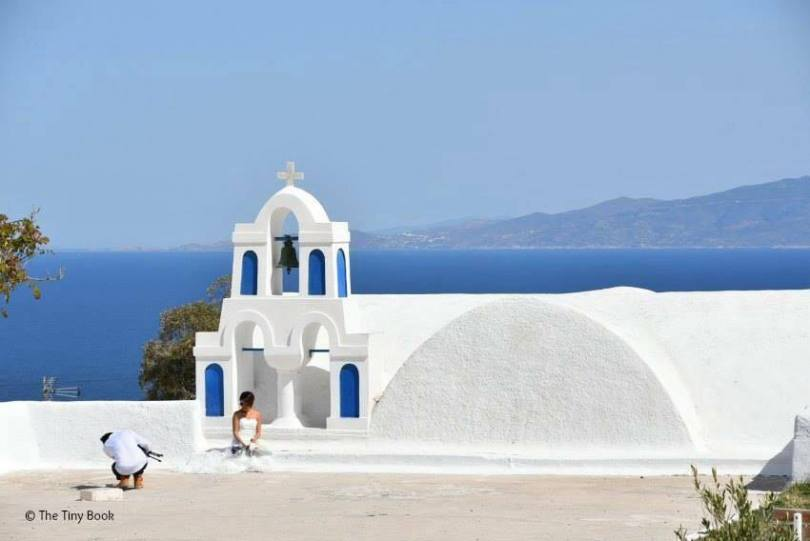 Brides are everywhere in Santorini. Santorini dreamy photo destination