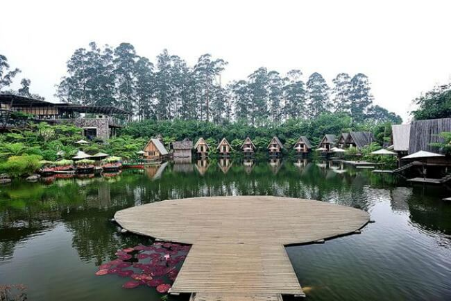 Bandung is well-known for its cooler climate, great food and fun things to do. The 3rd largest city of Indonesia is fast becoming a popular destination. - Dusun Bambu - Flickr