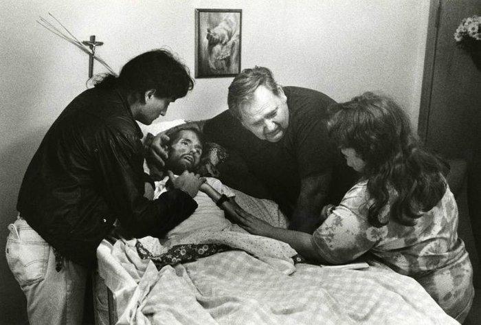 η φωτογραφία της Therese Frare που άλλαξε το πρόσωπο του AIDS