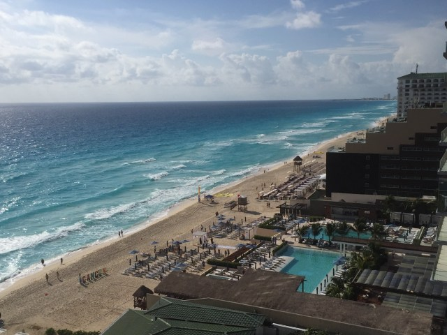 The beaches at Hotel Zone, Cancun.  things to do cancun riviera maya. top things to do in riviera maya. que hacer en riviera maya