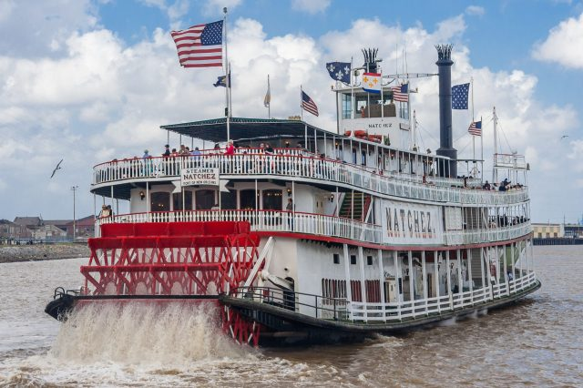 Steamboat Natchez on Mississippi river - one of the best new orlean attractions