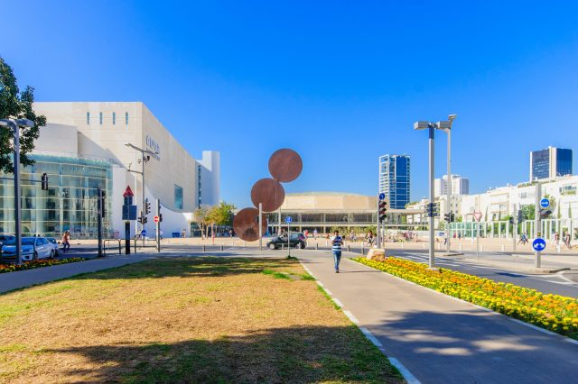 Habima Square - what to see in tel aviv, part of tel aviv sightseeing, things to do in tel aviv alone