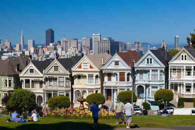 The Painted ladies at Alamo Square are san fran attractions and san francisco things to do