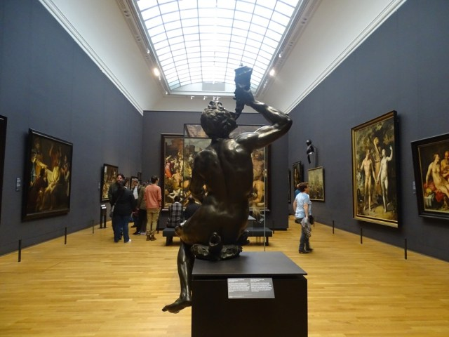 Wonder what to do in amsterdam? Visit Rijksmuseum - it's one of amsterdam best things to do