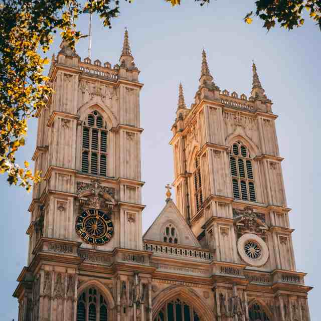 Westminister Abbey is one of the most famous buildings london The Westminister Abbey is one of london landmark buildings