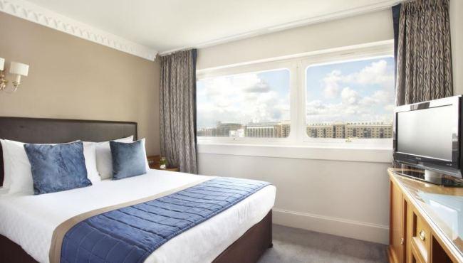 standard-double-room-with-bridge-view-1