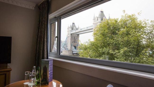 standard-double-room-with-bridge-view-2