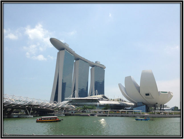 Modern architecture and the buildings of Singapore