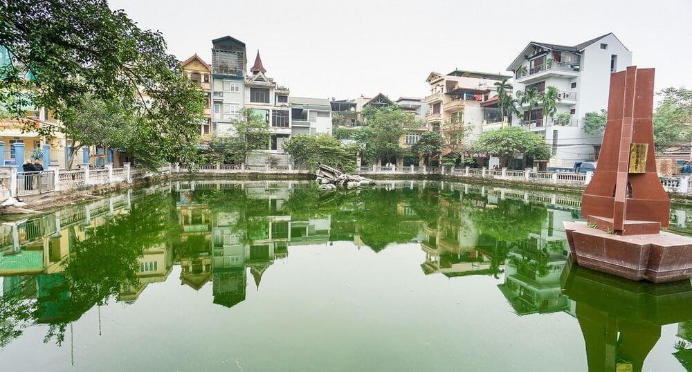 Huu Tiep Lake, Hanoi. Photo credit: Simon Morris/Flickr
