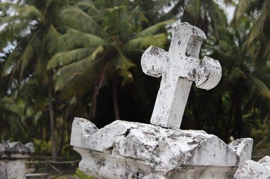 tombstone-891288_1280FFU