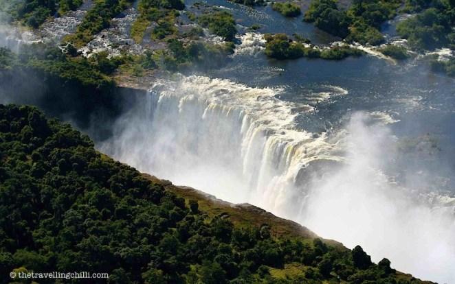 victoria falls zambia zimbabwe africa natural wonders