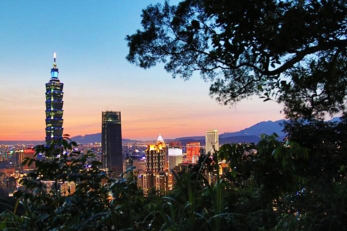 elephant mountain free things to do in taipei