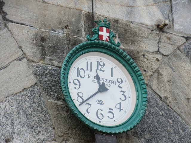 Time, Clock, Como, Switzerland, Swiss time, Swiss clock, City of Como, Province of Como, Lombardy, Italy