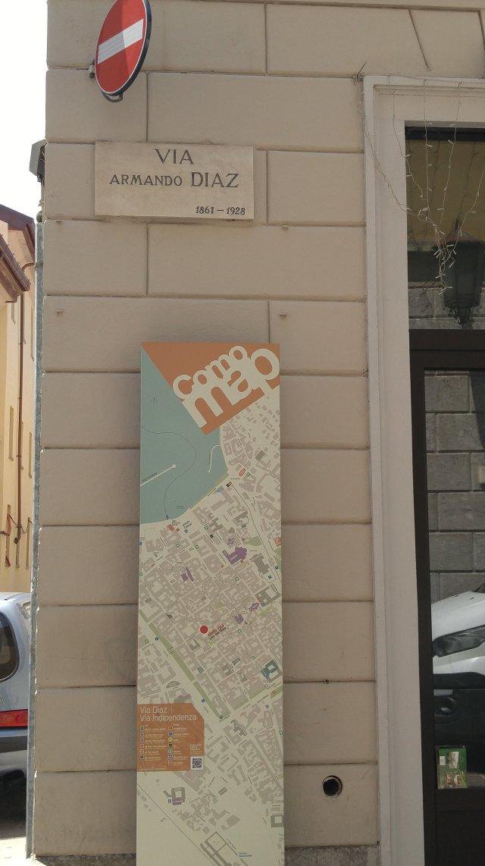 Map, map of Como, City of Como, Como, Province of Como, tourists in Como, Lombardy, Italy