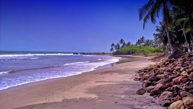 Things to do in Ghana - visit a beach