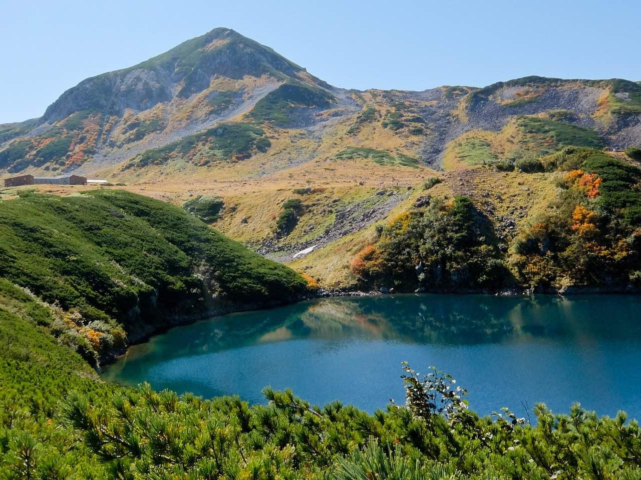 Hiking from Tateyama - Mikurigaike Crater Lake  Hiking from Tateyama across the Northern Japan Alps Hiking from Tateyama Mikurigaike Crater Lake