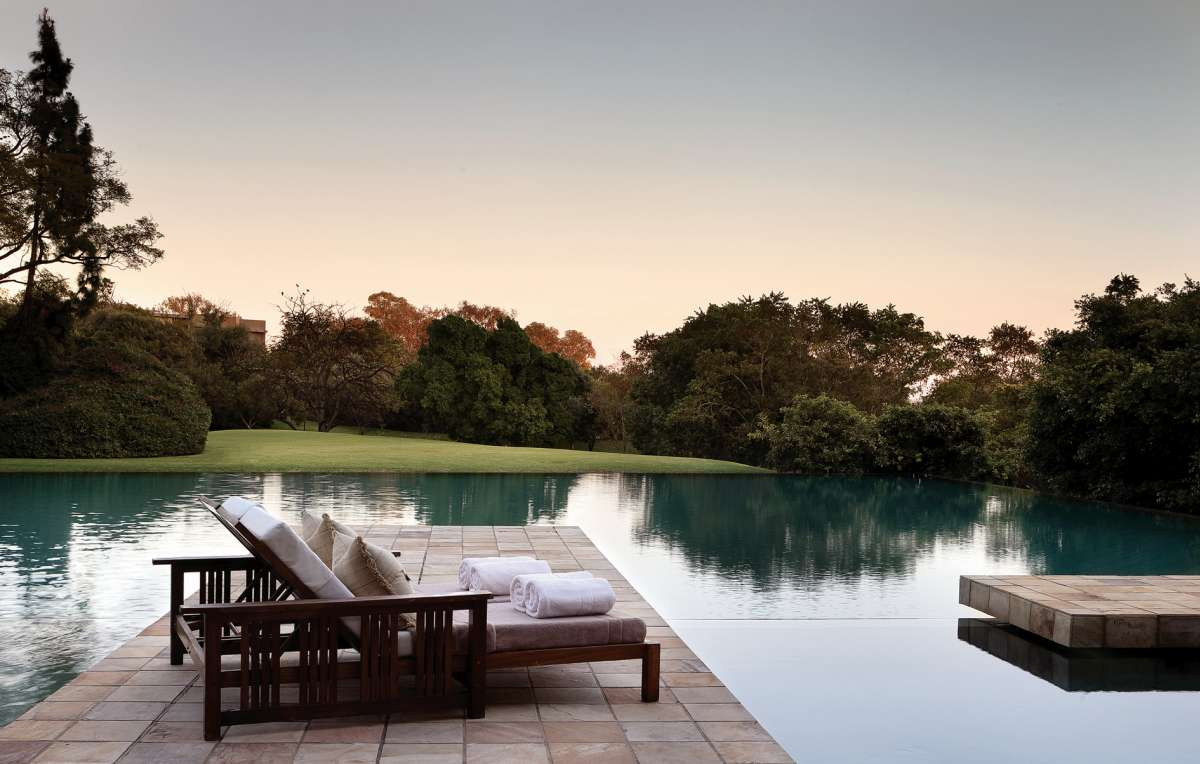 Top 5 luxury african escapes you must try in 2016 lux for Terrace pool