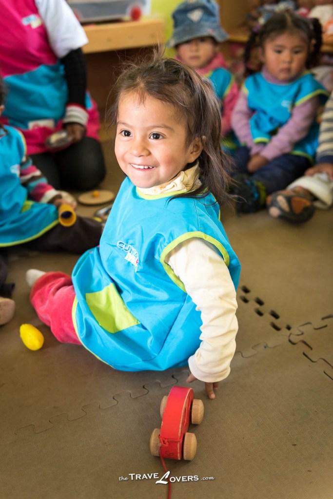 可愛的秘魯小女孩,有著秘魯人深䆳的輪廓,長大後一定會是一個美女。