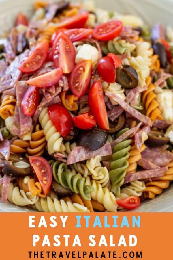 Easy Italian Pesto Pasta Salad by #thetravelpalate #summersalad #pastasalad #italianpastasalad #saladrecipe
