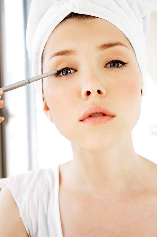 Save Eyeliner Lipstick