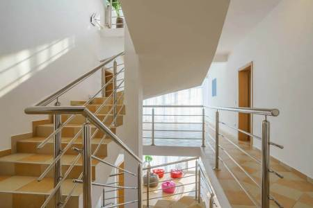 Add Modern Look to Your Home with Stainless Steel Railings
