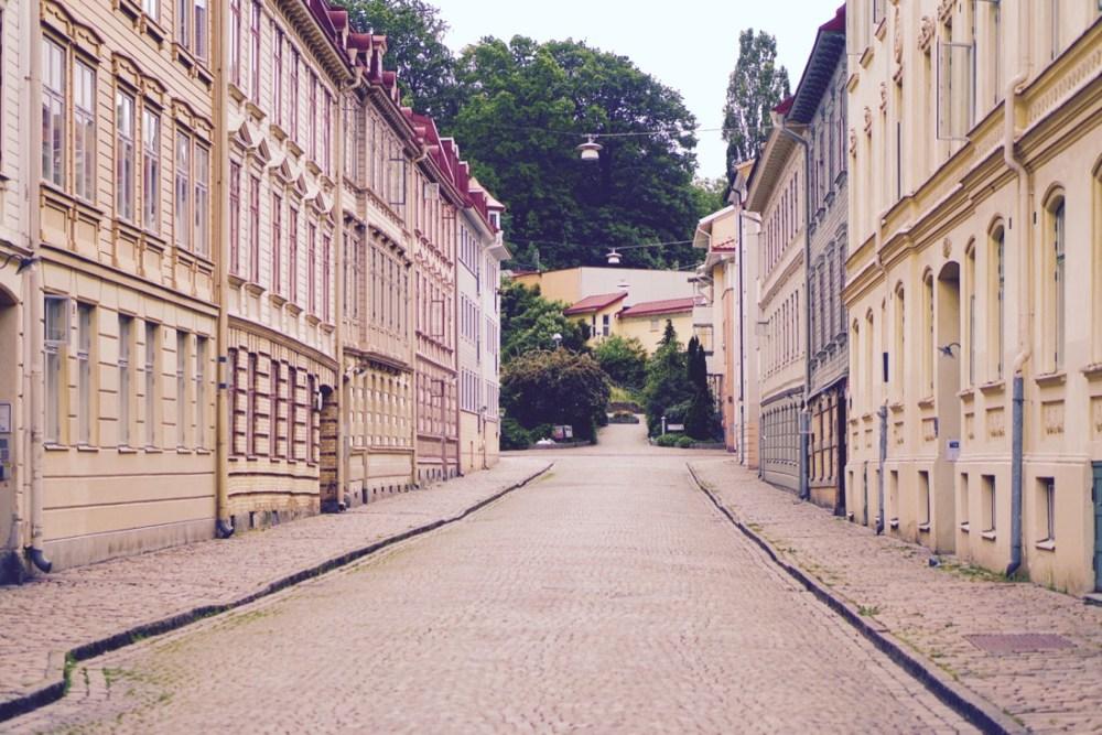 haga empty street