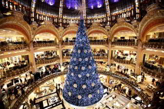 Paris-Christmas-tree