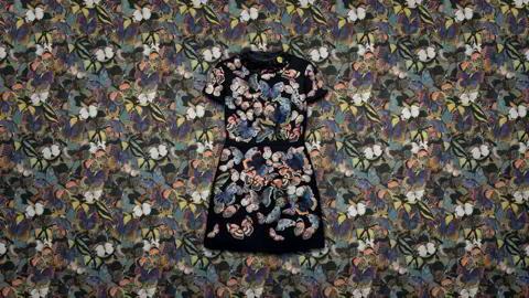 16520-women-s-accessories-camubutterfly