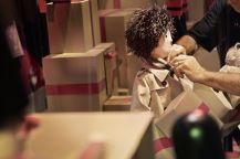 _The Magical Christmas Journey by Burberry_ - Making of the Window_001