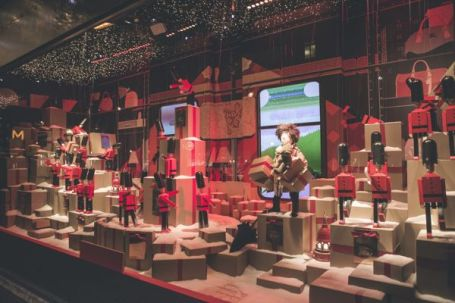 _The Magical Christmas Journey by Burberry_ - Printemps Partnership (5)