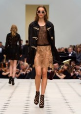 Burberry Womenswear S_S16 Collection - Look 14