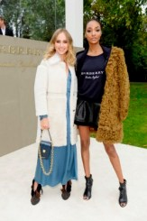 LONDON, ENGLAND - SEPTEMBER 21: Suki Waterhouse (L) and Jourdan Dunn arrive at Burberry Womenswear Spring/Summer 2016 show during London Fashion Week at Kensington Gardens on September 21, 2015 in London, England. (Photo by David M. Benett/Dave Benett/Getty Images for Burberry) *** Local Caption *** Suki Waterhouse;Jourdan Dunn