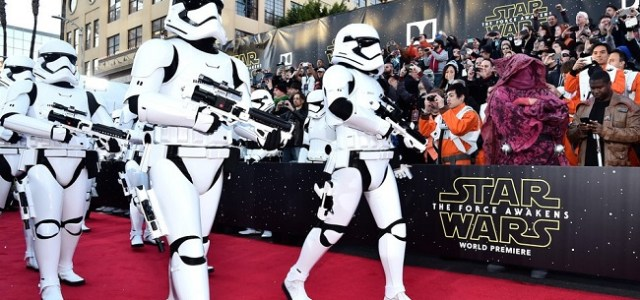 Cum s-a văzut de pe covorul roșu de la Hollywood premiera Star Wars: The Force Awakens FOTO & VIDEO