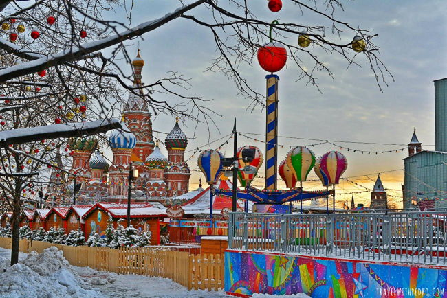 red-square-christmas-market-moscow-01e