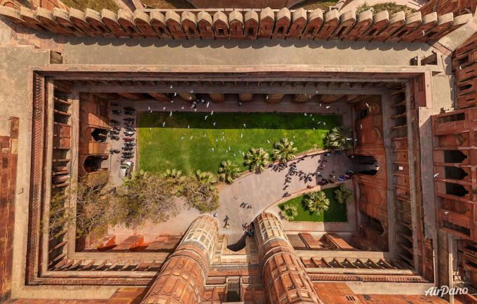 9 Agra Fort, India